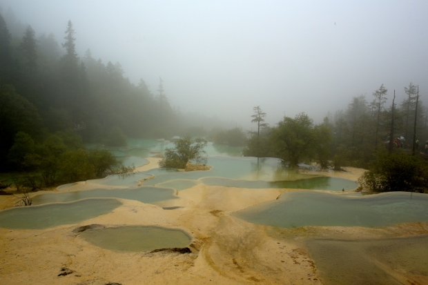 Huanglong National Park - Pools in the mist