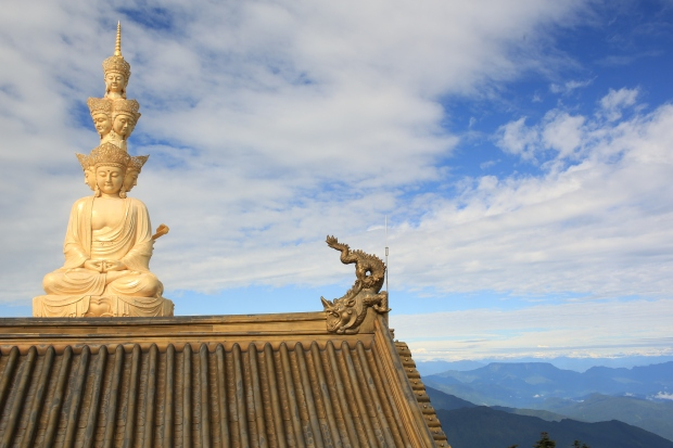 Mount Emei - The statue of Puxian at the summit